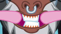 Pinkie stretching Tirek's mouth S8E26