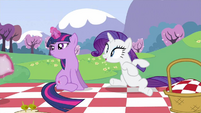 Rarity swrooning S2E25