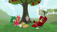 "Spike ""you painted apples"" S9E23"