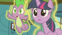 Spike pointing off-screen S7E3
