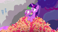 Twilight and Spike shocked at what they're seeing S5E26