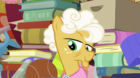 Goldie Delicious smirking at Applejack S7E13