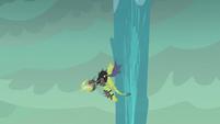 Green dragon flies around water spout S6E5