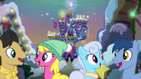 Ponies smiling at eachother S06E08