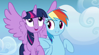 Rainbow Dash nudging Twilight with her elbow S6E24