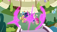 S9E26 Twilight i przyjaciele teleportują się do Ponyville