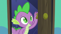 Spike enters Starlight Glimmer's bedroom S6E21