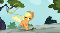 Applejack running with a lasso S8E2