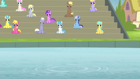 Ponies watching S4E20