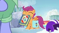 Scootaloo presents her Rainbow Dash scrapbook S7E7