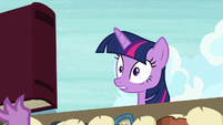 Twilight shocked to see library book S9E5