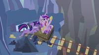 Twilight trying to push minecart S2E26