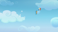 Vapor Trail flies straight into the cloud S6E24