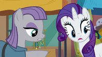 Maud Pie pointing at the ground S6E3