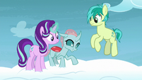 Ocellus fascinated by cloud-walking S8E25