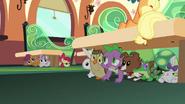 S03E12 Spike,CMC i zwierzaki się chowają