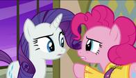 S06E12 Pinkie Pie rozmawia z Rarity