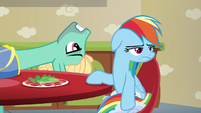 Zephyr Breeze starts flirting with Rainbow S6E11