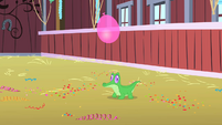 Balloon descending on Gummy S1E25