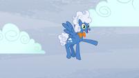Fluffy Clouds waving S5E5