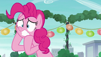 Pinkie Pie --I don't have any present for her-- S6E3