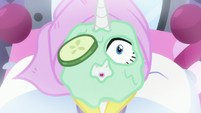 Rarity surprised when her cucumber slice disappears S9E19