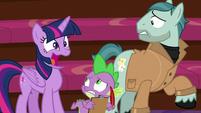 """Twilight Sparkle awkwardly """"yeah!"""" S8E7"""