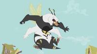 Bugbear appears S5E9