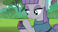 Maud Pie places Boulder in the pouch S6E3