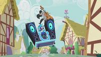 Octavia and DJ Pon-3 -jump the shark- S5E9