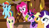 Pinkie Pie confused by crowd's cheering S8E18