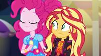 Pinkie smells something in the air EGSBP
