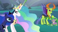 Princess Luna supporting the weak Celestia S6E26
