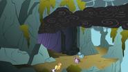S01E07 Kucyki przed jaskinią smoka