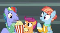 Scootaloo gives popcorn to Bow Hothoof S7E7