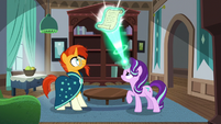 Starlight casting the second part of her spell S7E24