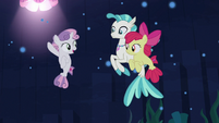 """Sweetie Belle """"head back up the mountain"""" S8E6"""