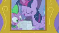 Twilight gives Spike a stack of flash cards S8E11