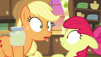 Applejack hears someone coming S7E13