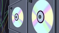 Data disks spinning SS5