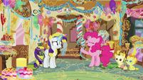 """Pinkie Pie """"it's super-sticky celebration string!"""" S7E19"""