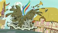 Rainbow Dash dives into the terrible pie S7E23