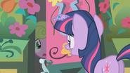 S01E09 Twilight chce porozmawiać z Daisy