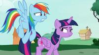 Twilight looking annoyed at Rainbow Dash S7E19