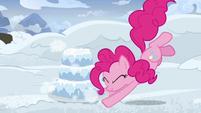 Pinkie Pie makes a three-layer snow cake S7E11