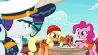 Pinkie Pie offering snacks to Rarity S6E22