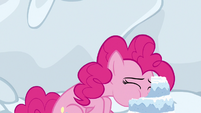 Pinkie Pie eating a snow cake S7E11