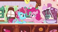 Pinkie Pie cheering up Mrs. Cake S9E13