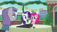 Rarity acting --Oh, why, thank you for the kind assistance-- S6E3