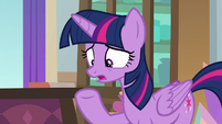 """Twilight """"if it falls into the wrong hooves"""" S8E17"""